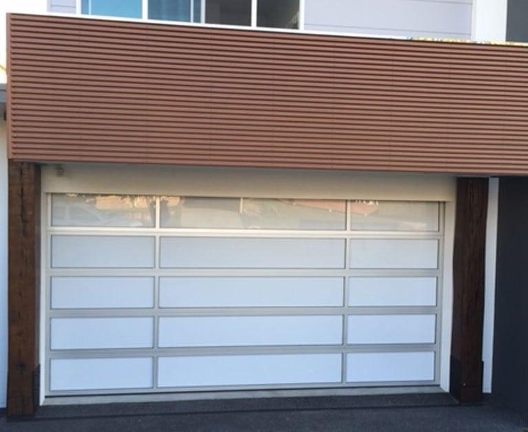 GARAGE DOOR : CHOOSE BETWEEN A BEST TILTING OR SECTIONAL