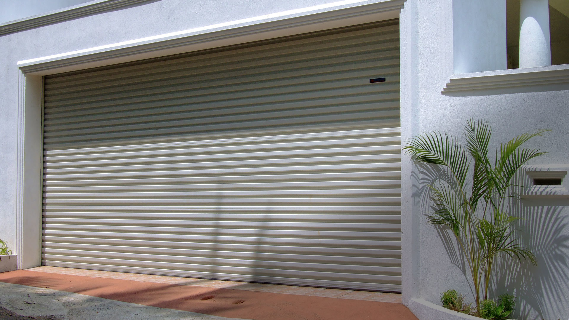 7 Reasons for Installing Roller Shutters